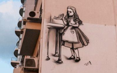 Graffiti and street art tour in the Neve Tzedek neighborhood